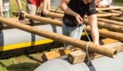 Floßbau als Teamevent